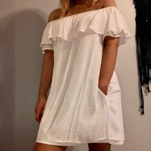 NEW white off the shoulder dress w/ POCKETS